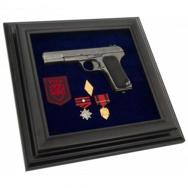 Пистолет ТТ и награды УПА